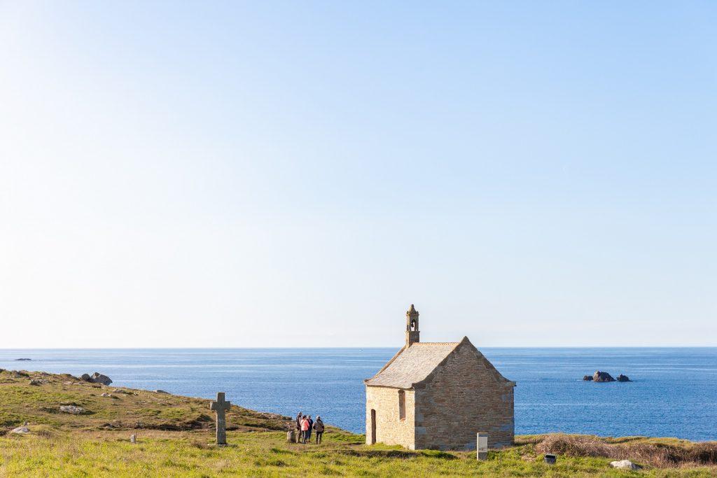 Sur la route de Landunvez la chapelle Saint Samson ©RAGOT Eugenie